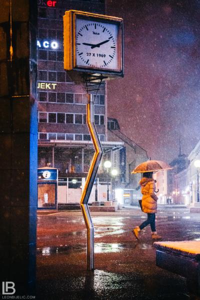 GRAD BANJA LUKA - Fotograf Leon Bijelic, Krivi sat