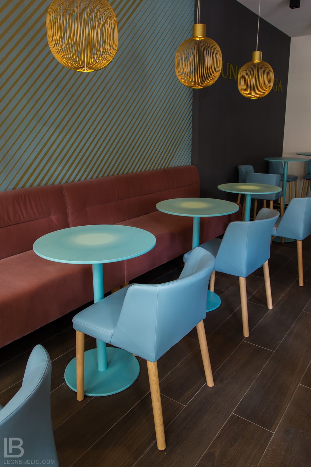 BUNGA BUNGA JAJCE CAFFE NIGHT BAR / INFUTURO INTERIOR