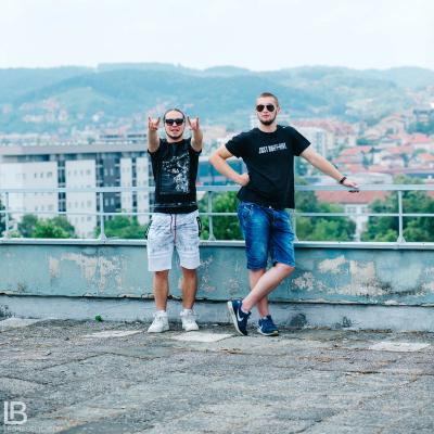 ANDJELA I NADJA - OLA OLE - NOVA PESMA - FOTO: LEON BIJELIC / Panter i Gliga