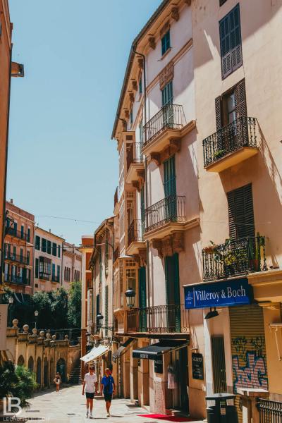 SPAIN: MALLORCA ISLAND / PALMA / PORTO CRISTO / CAVES DEL DRACH / PHOTOS / PHOTOGRAPHS / WALLPAPER / LEON BIJELIC / PHOTOGRAPHY / PHOTOGRAPHER / VOCATION / HOTEL / STREET / ARCHITECTURE