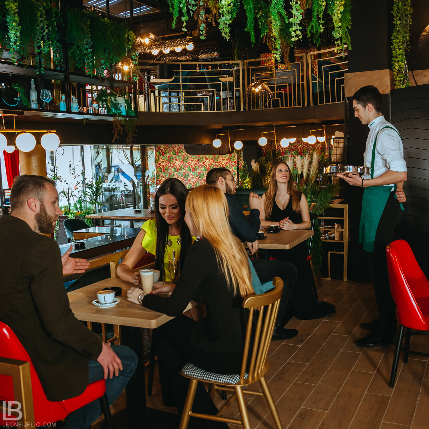 RESTAURANT BIZARRE DIVERSE BAR - WITH MODELS - BANJA LUKA - LEON BIJELIC PHOTOGRAPHY