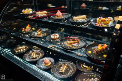 RESTAURANT BIZARRE DIVERSE BAR - OPENING DAY - CAKES - BANJA LUKA - LEON BIJELIC COMMERCIAL PHOTOGRAPHY