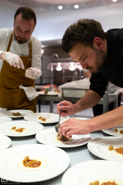 CHEFS THING - CROWN PLAZA HOTEL BELGRADE - FOTOGRAFIJE - SLIKE - LEON BIJELIC FOTOGRAF - ROTARY CLUB / ROTRAKT KLUB BEOGRAD - Chef Vanja Puškar i Aleksa Ilić