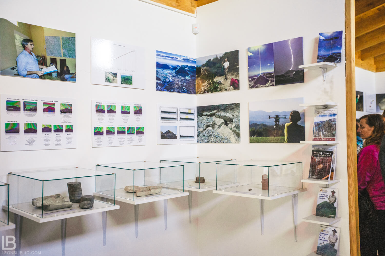 BOSANSKE PIRAMIDE I TUNEL RAVNE 2 - VISOKO - FOTOGRAF LEON BIJELIC - FOTOGRAFIJE - BOSNA I HERCEGOVINA - Tunnel Ravne 2 - Valley of Pyramids - Photos and photographs - Musem - Artefacts
