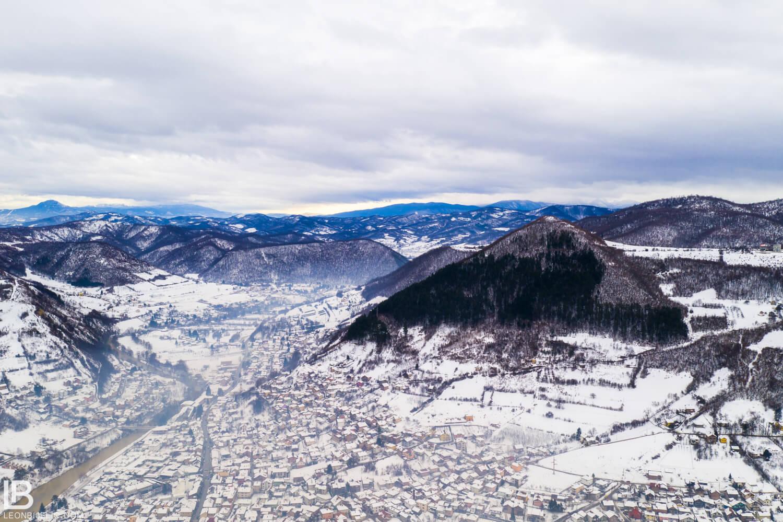 BOSANSKE PIRAMIDE I ARHEOLOŠKI PARK TUNEL RAVNE 2 - VISOKO - FOTOGRAF LEON BIJELIC - FOTOGRAFIJE - BOSNA I HERCEGOVINA - FEBRUAR - Drone photos - aerial photographs
