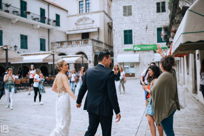 KOTOR WEDDING PHOTOGRAPHER - HOTEL CATTARO - LEON BIJELIC PHOTOS PHOTO PHOTOGRPAHY - MONTENEGRO - WEDDING - COUPLE - IDEAS - FRIENDS - OLD TOWN - CASTLE - CITY