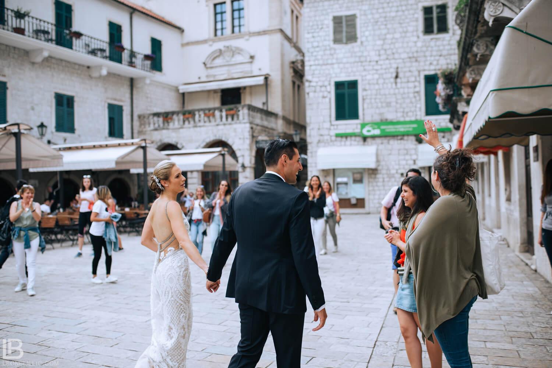 KOTOR WEDDING PHOTOGRAPHER - HOTEL CATTARO - LEON BIJELIC PHOTOS PHOTO PHOTOGRPAHY - MONTENEGRO - WEDDING - COUPLE - IDEAS - FRIENDS - OLD TOWN - CASTLE - CITY