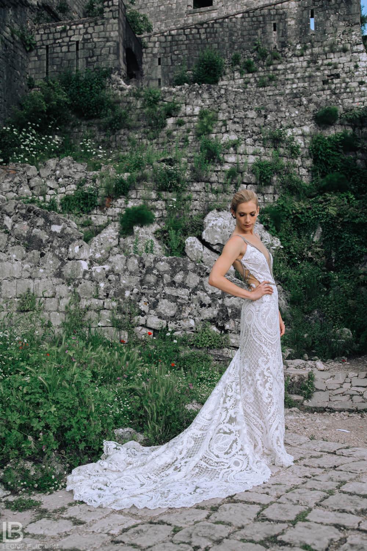 KOTOR WEDDING PHOTOGRAPHER - M&A - HOTEL CATTARO - LEON BIJELIC PHOTOS PHOTO PHOTOGRPAHY - BOKA BAY - MONTENEGRO - WEDDING - PEOPLE - SUMMER - BRIDE DRESS