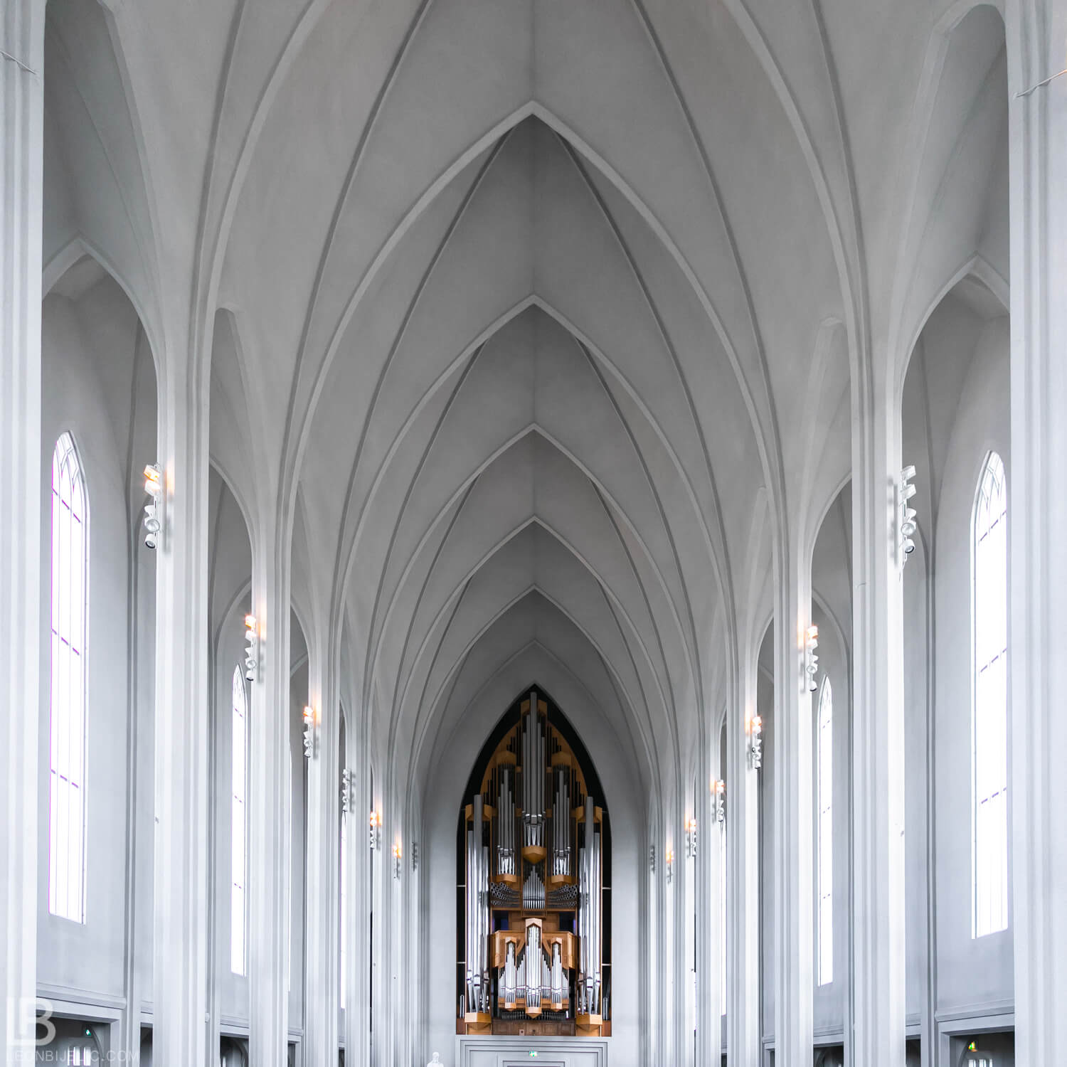 Hallgrimskirkja Church - ICELAND - CAPITAL CITY REYKJAVIK - PHOTOS PHOTO