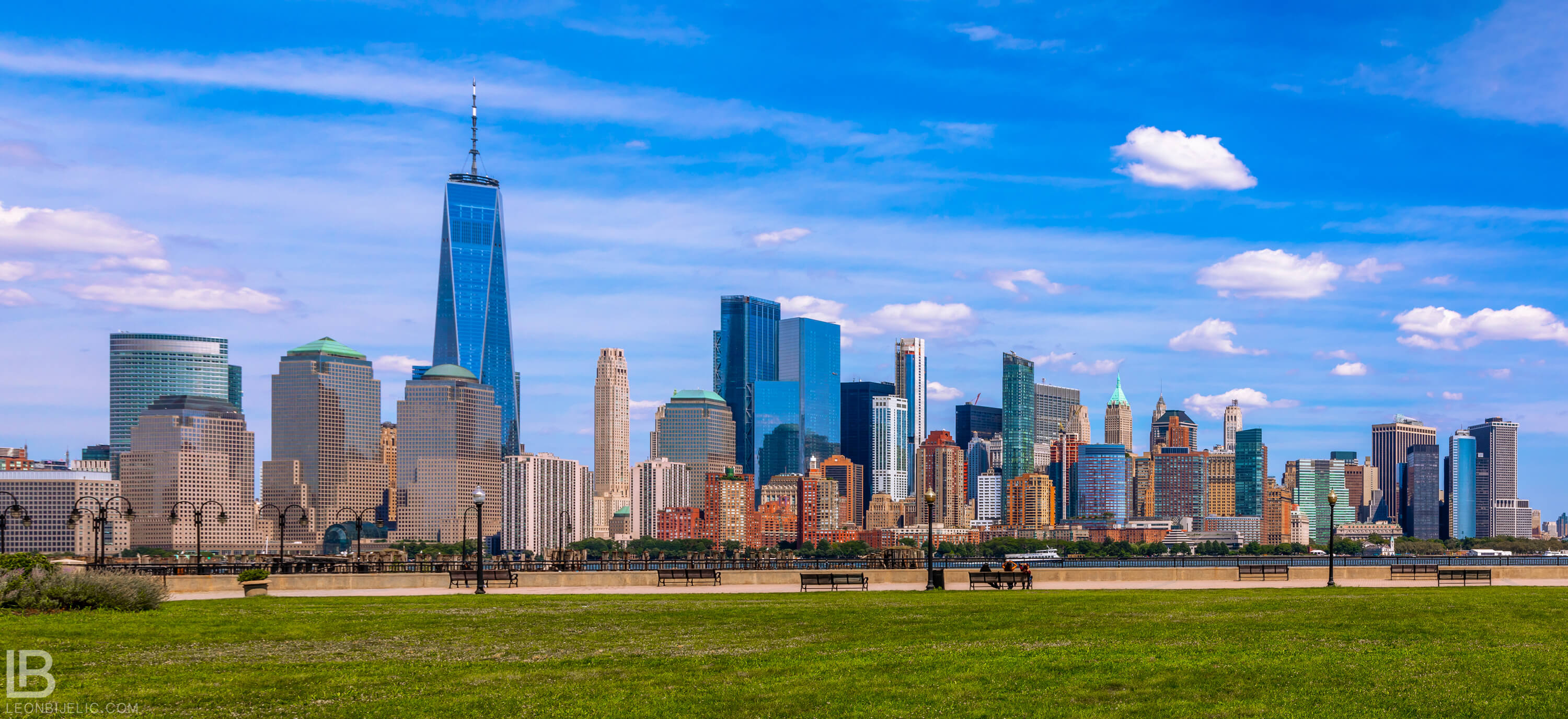 Beautiful panoramic view from Jersey city park on New York - Photo by Leon Bijelic - Architecture Building Buildings Photos Amazing Great Color